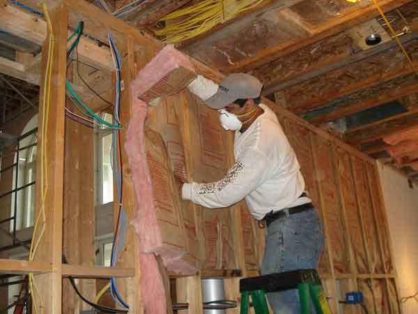Fiberglass insulation-installation